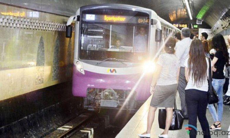 Metroda polislə sərnişinlər arasında qarşıdurma