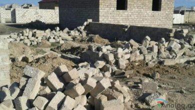 Photo of İcra Hakimiyyəti ön cəbhədə döyüşən əsgərin tikilməkdə olan evini sökdürüb (FOTOLAR)