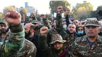 Photo of İrəvanda etiraz aksiyasına hərbçilər də qoşuldu